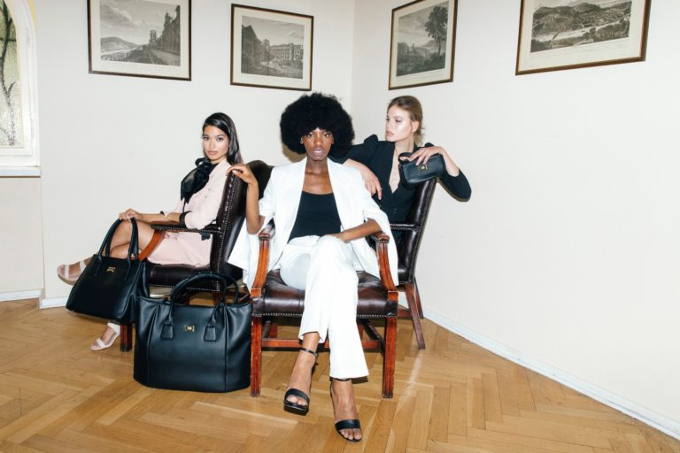 Vegane Designer-Taschen kommen von Melina Bucher